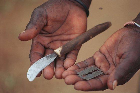 Ban Ki-moon pide erradicar la mutilación genital femenina 'en una generación'