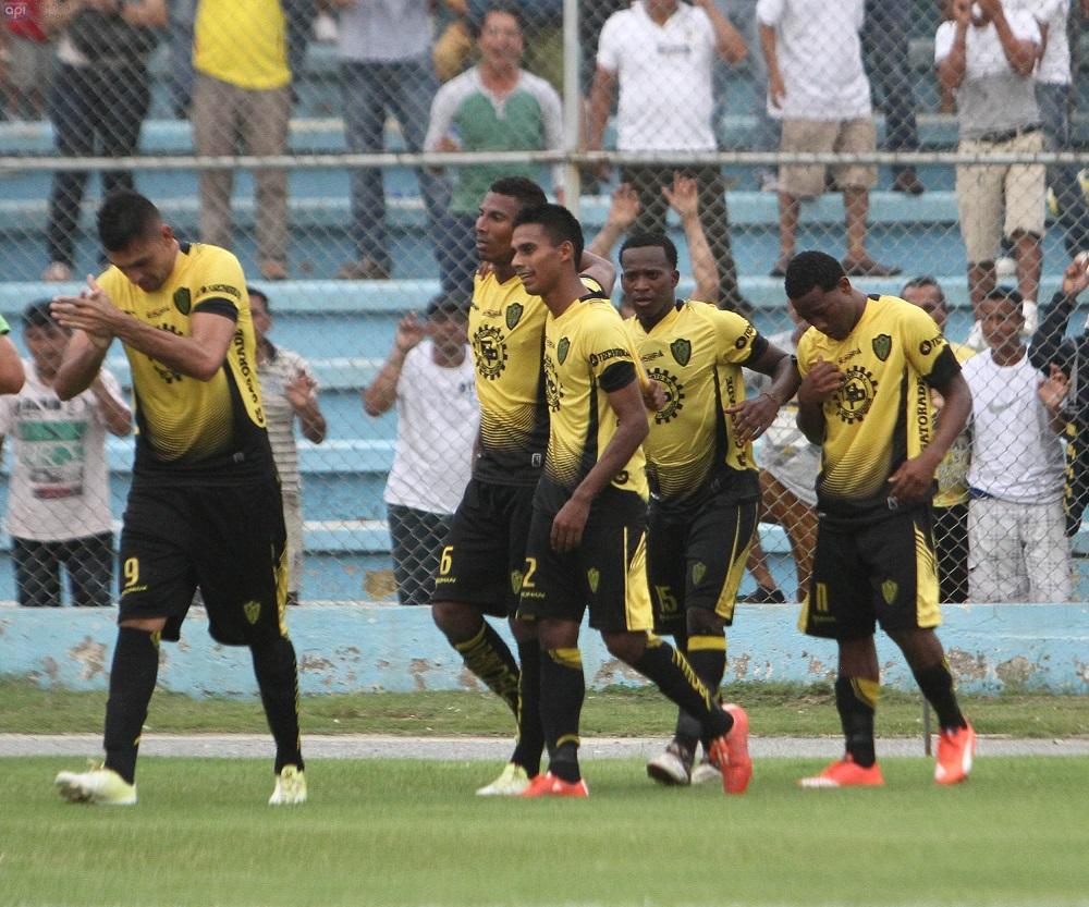 Fuerza Amarilla vence por 2-1 al Aucas en el cierre de la fecha 1