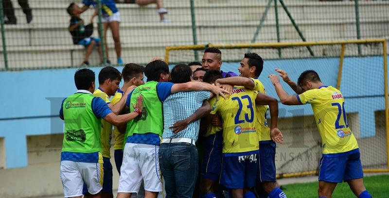 ¡DEBUT SOÑADO! Delfín SC vence por 2-0 a Liga de Quito