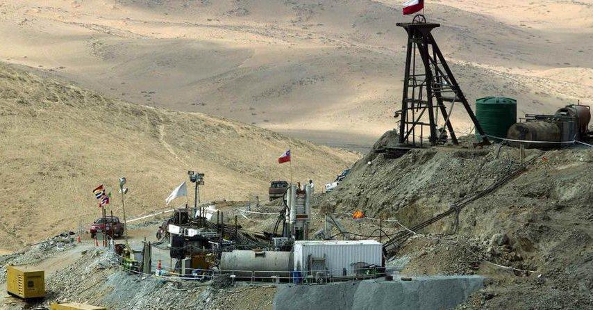 Tres mineros permanecen atrapados bajo tierra desde hace 4 días en Sudáfrica