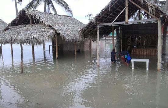 """Están """"inundados"""" por las olas"""