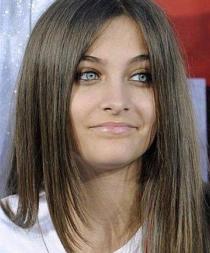 La hija de Michael Jackson revela que asiste a Alcohólicos Anónimos