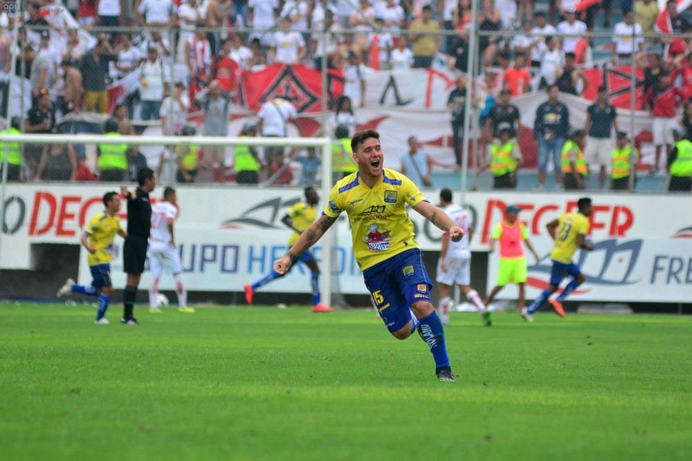 """Maximiliano Barreiro: """"Disfruto mucho hacer goles"""""""
