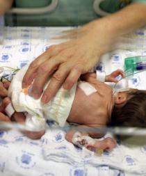 Un bebé 'resucita' y llora antes de ser incinerado en China