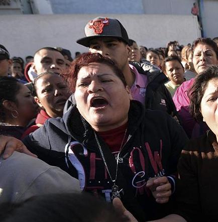 49 muertos y 12  heridos en motín