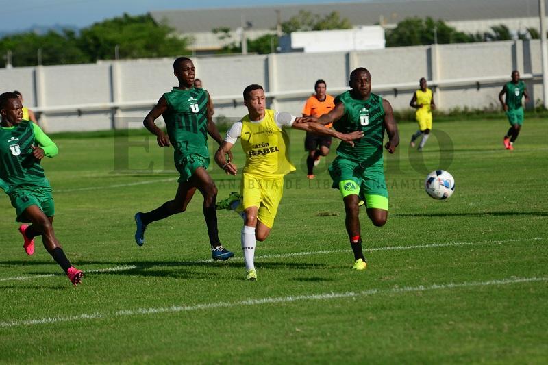 Manta FC ganó 2-1 a LDUP, en amistoso