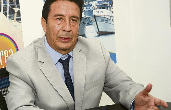 Miguel Camino se declara ganador de las elecciones en la ULEAM