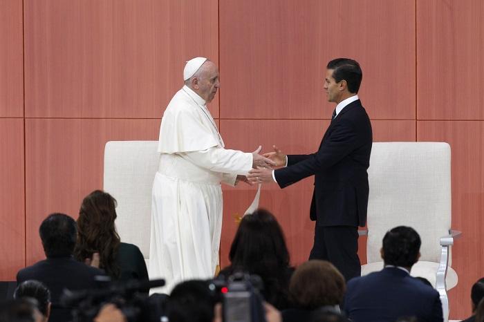 El Papa pide en México dejar indiferencia ante narcotráfico y defender indígenas