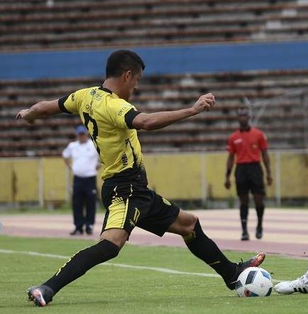 Universidad Católica venció 1-0 a Fuerza Amarilla