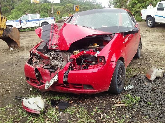 Tres heridos en accidente en la vía Puerto Cayo - Jipijapa