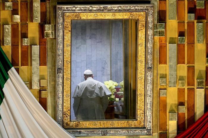 5 Segundos de júbilo para ver un papa emocionado ante la Virgen de Guadalupe