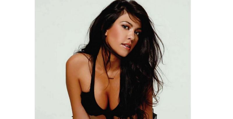 Kourtney Kardashian, una madre muy sensual