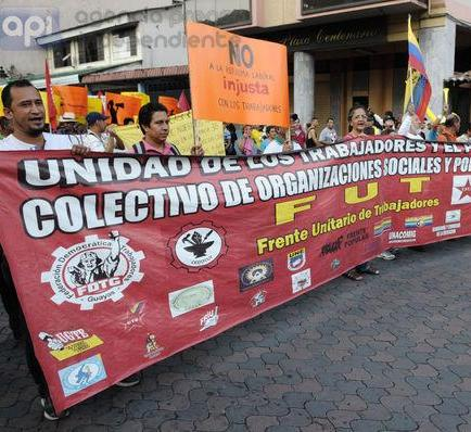 Movimientos sociales protestan contra medidas laborales del Gobierno