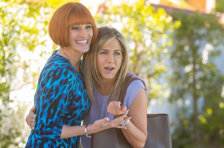 Jennifer Aniston y Julia Roberts dibujan enredos familiares en 'Mother's Day'