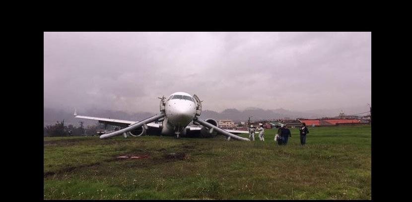 Avión de Tame pierde pista en el aeropuerto de Cuenca
