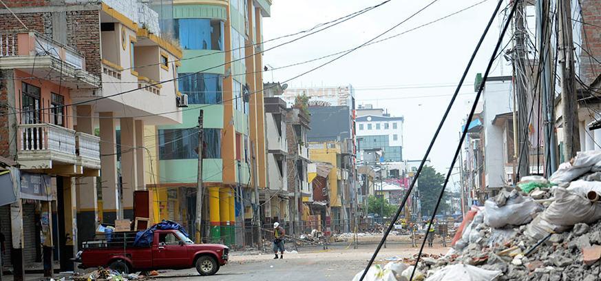 Los daños en edificaciones del centro de Portoviejo recuerdan una noche de dolor