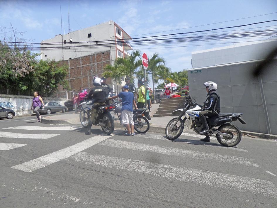 Motociclistas aún no pueden circular