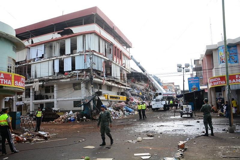 Ecuador suscribe acuerdo de canje de deuda con Italia para aliviar desastre