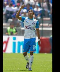 El ecuatoriano Rojas y el paraguayo Benítez meten al Cruz Azul en fase final