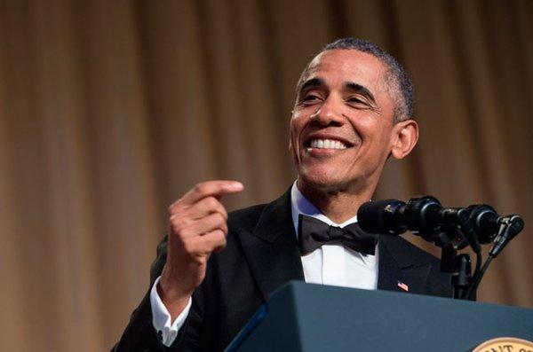 Obama bromea sobre su vida fuera de la Casa Blanca como 'comandante del sofá'
