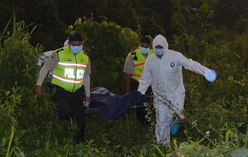 Encuentran a dos hombres asesinados, en Santo Domingo
