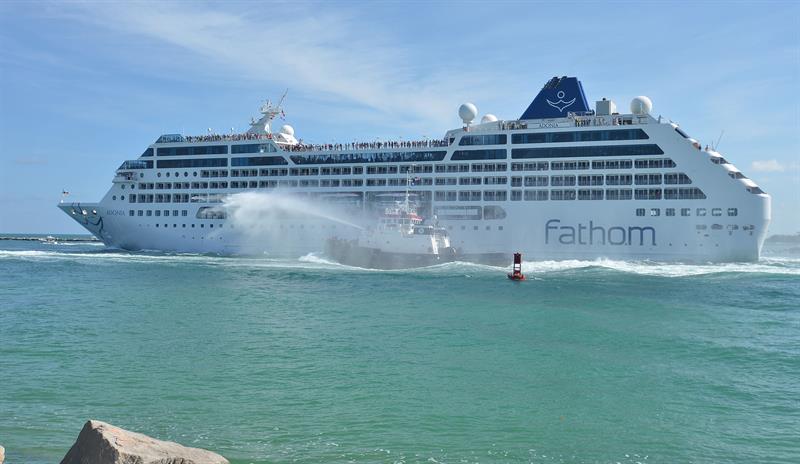 Crucero de EE.UU. llega a La Habana por primera vez en más de 50 años