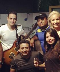 Artistas manabitas llevan aliento con su canción 'Ecuador Unido'