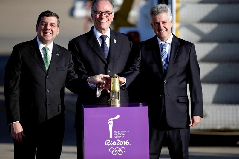 La llama olímpica llega a Brasil a 94 días de los Juegos de Río 2016