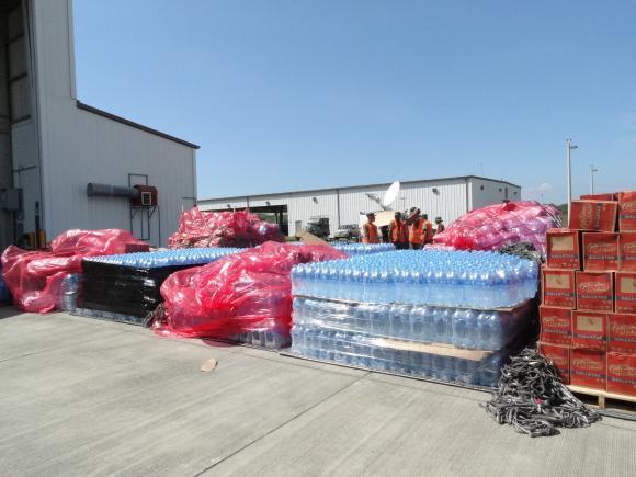 Ecuador recibe cargamentos de ayuda de Brasil e Irán para afectados por sismo