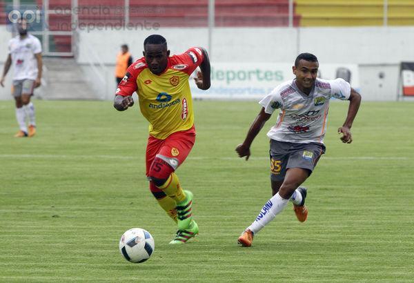 Delfín logró empatar 2-2 con Aucas, en Quito