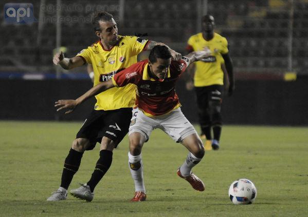 EN JUEGO. Barcelona 1-0 Deportivo Cuenca