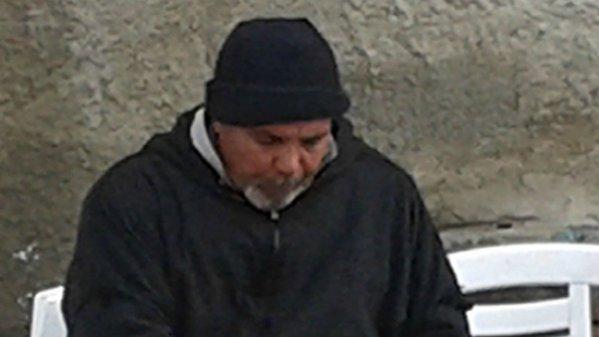 Un año de cárcel por escribir 'mártir' en la tumba de su hijo yihadista