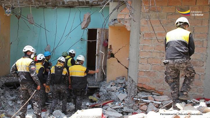 Más de dos mil policial han colaborado en emergencia en Manta