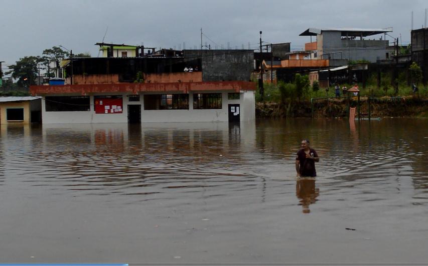 Aguacero en Santo Domingo afectó a una escuela y viviendas