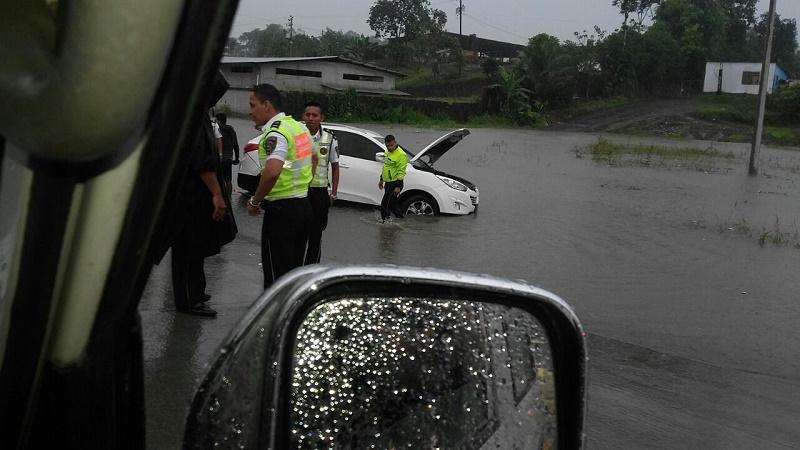 Las lluvias sorprenden nuevamente a Santo Domingo