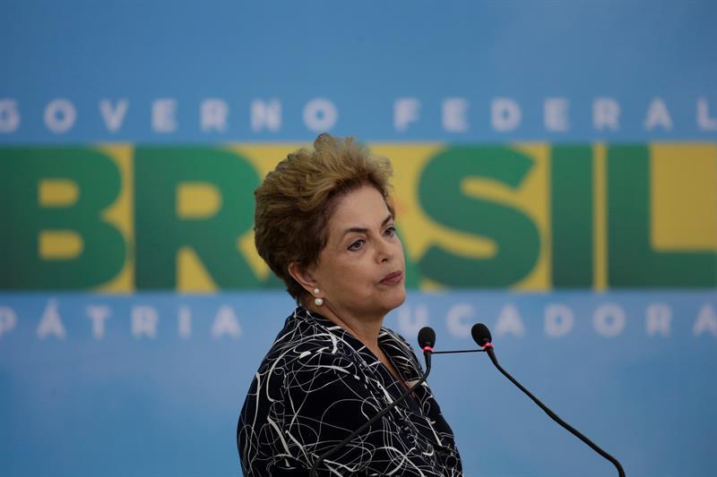 Senado brasileño aprueba informe de juicio político contra Dilma Rousseff