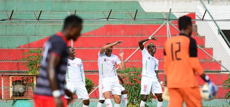 Serie B: Colón venció 2-0 al Técnico Universitario, en el Reales Tamarindos