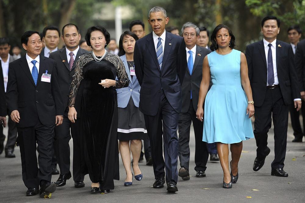 Obama inicia una visita a Vietnam centrada en cooperación militar y económica