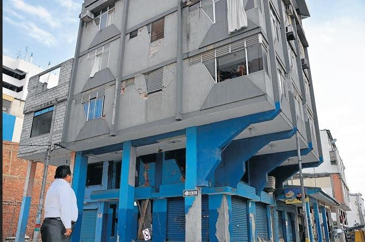 'De ayuda todavía no hay nada', afirma portovejense afectado por el terremoto