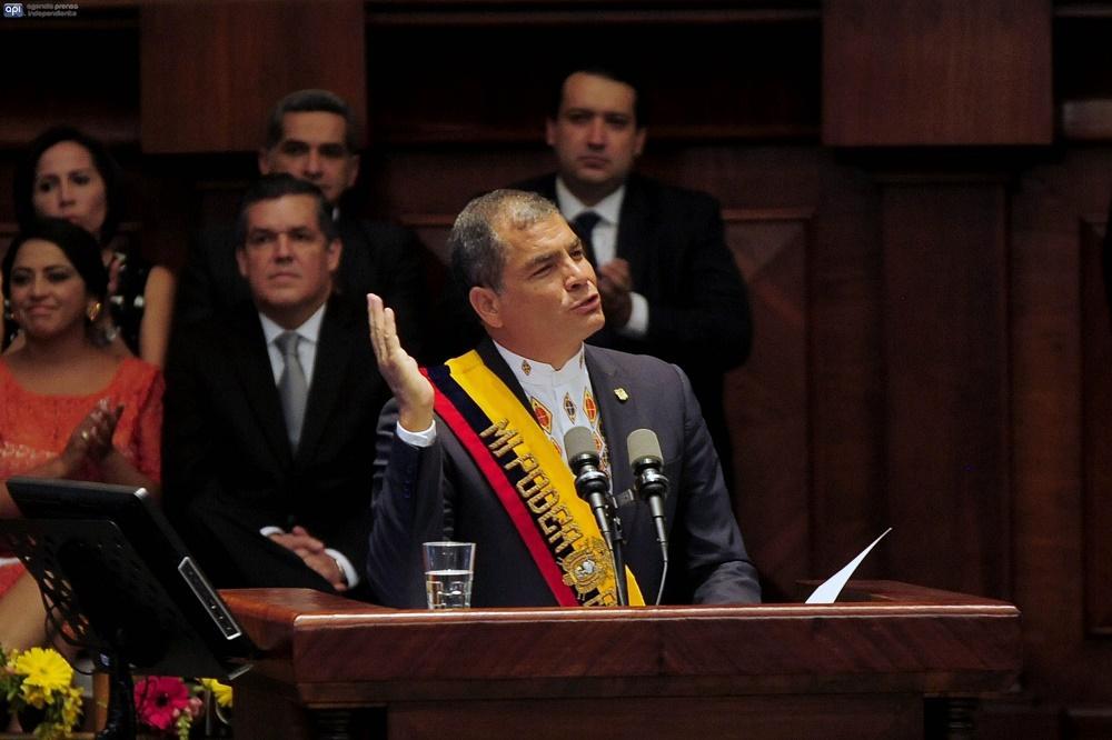 Presidente Correa anuncia la eliminación de 6 instituciones del Estado