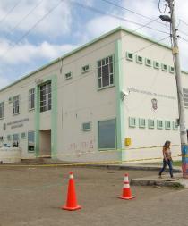 Varios técnicos analizaron daños en  el edificio municipal de Jaramijó