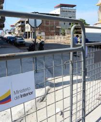 Comerciantes de la Chile piden quitar las vallas para poder trabajar