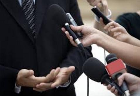 Periodistas latinos piden mayor neutralidad ante sociedad politizada