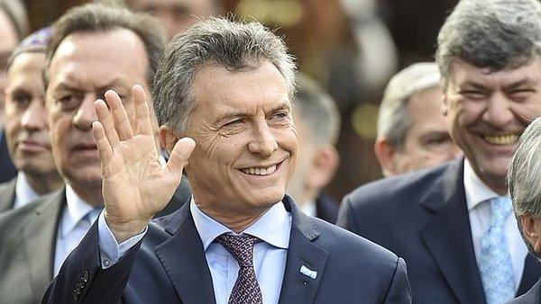 Macri dice que no hay 'otra forma' de garantizar el futuro que subir tarifas