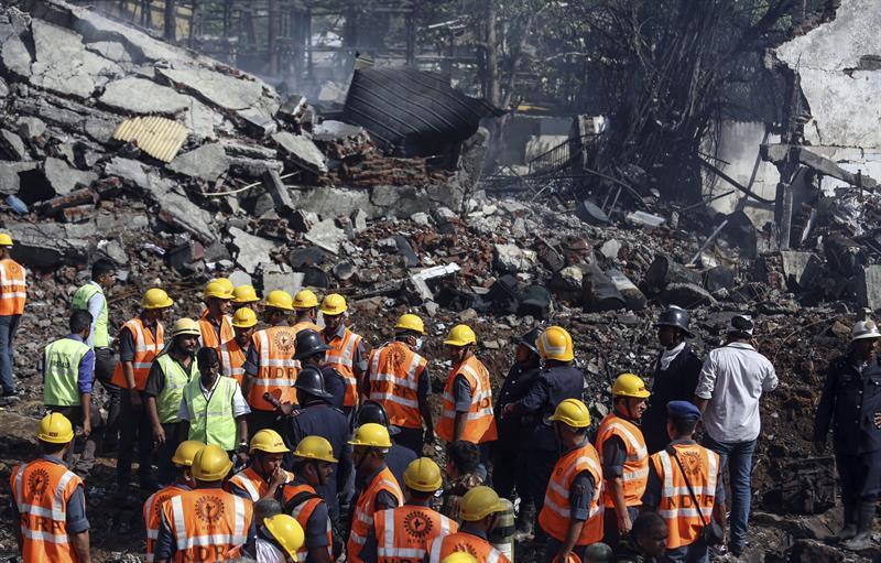 Al menos 4 muertos y 100 heridos en explosión en una fábrica farmacéutica