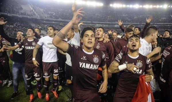 Lanús golea a San Lorenzo y se corona campeón por segunda vez