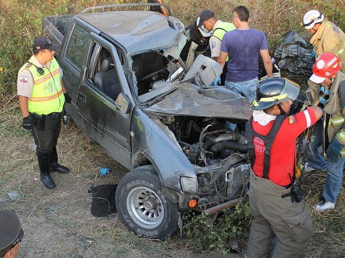 Tres personas fallecieron en la vía Manta-Rocafuerte