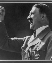 Descubren que Hitler tuvo un hermano discapacitado que murió al poco de nacer