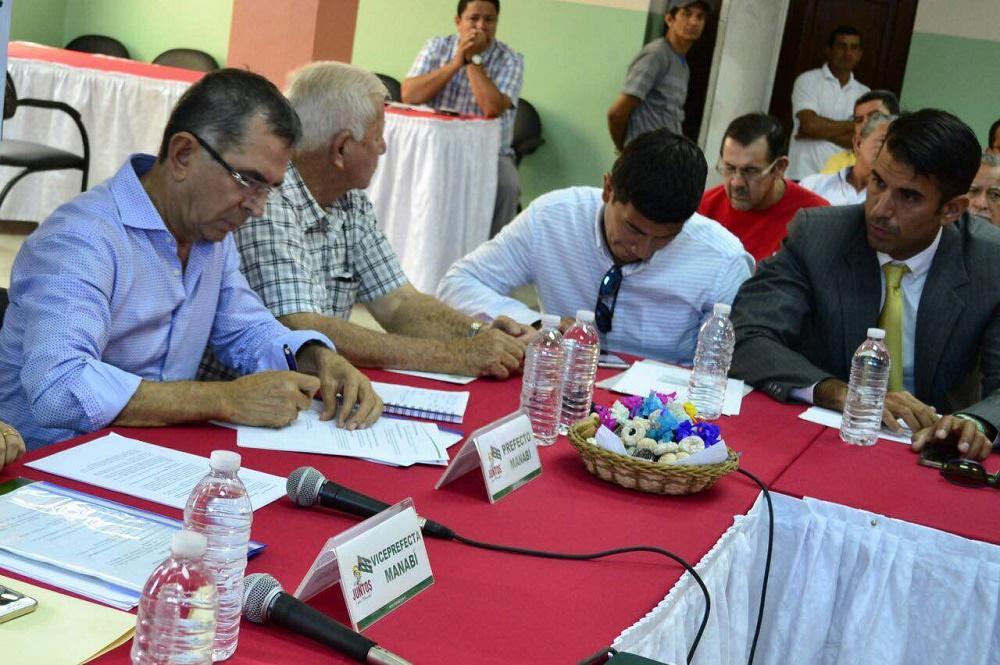 Firman convenios para potenciar el turismo en Manabí