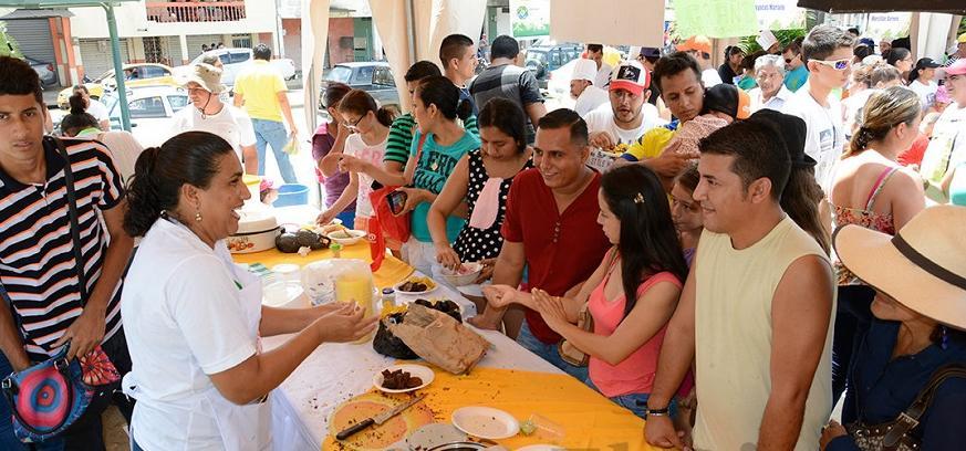 Familias disfrutaron de la morcilla en el festival 'Calderón se reactiva'